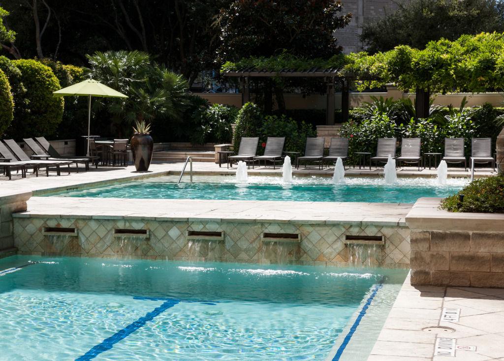 Pool at Listing #144188