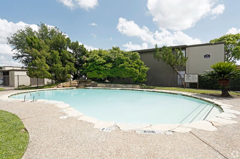 Pool at Listing #139773