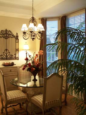Dining at Listing #138974