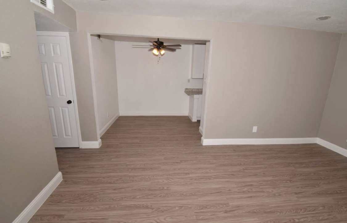 Living/Dining at Listing #216782