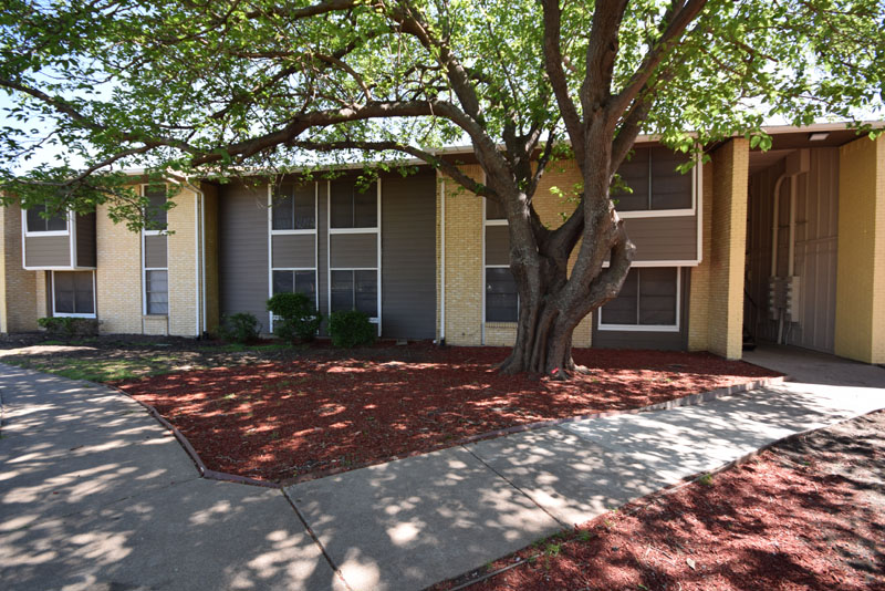 Exterior at Listing #137305