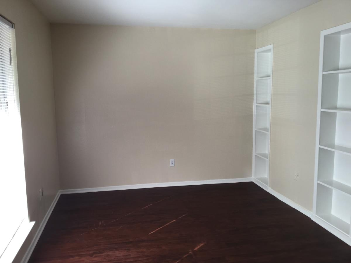 Living at Listing #139796