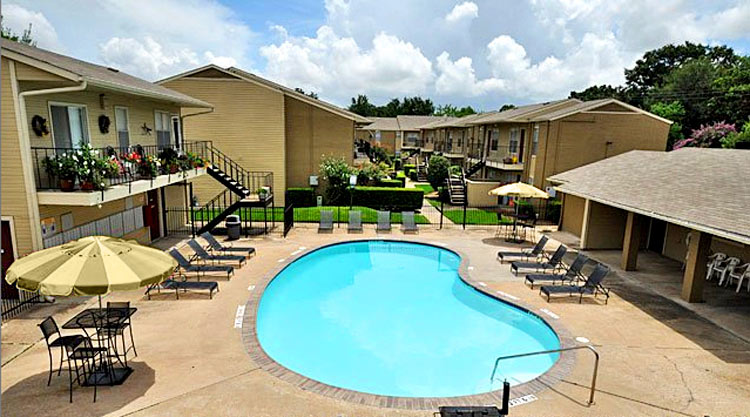 Pool at Listing #139795