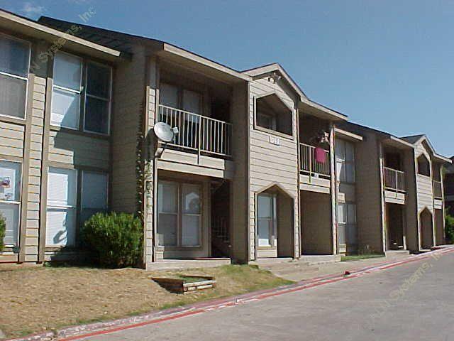 Oakland Oaks Apartments