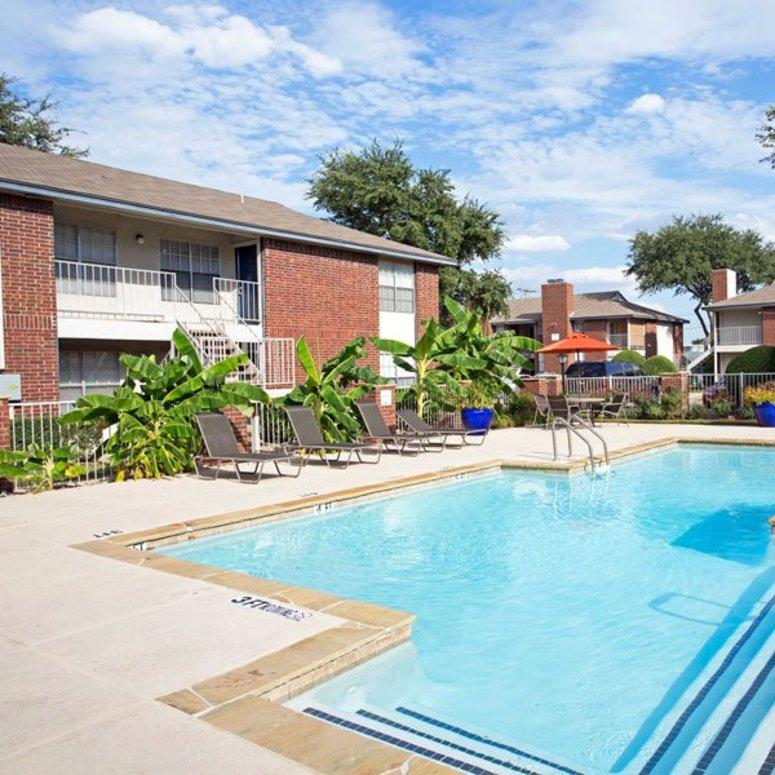 Pool at Listing #137120