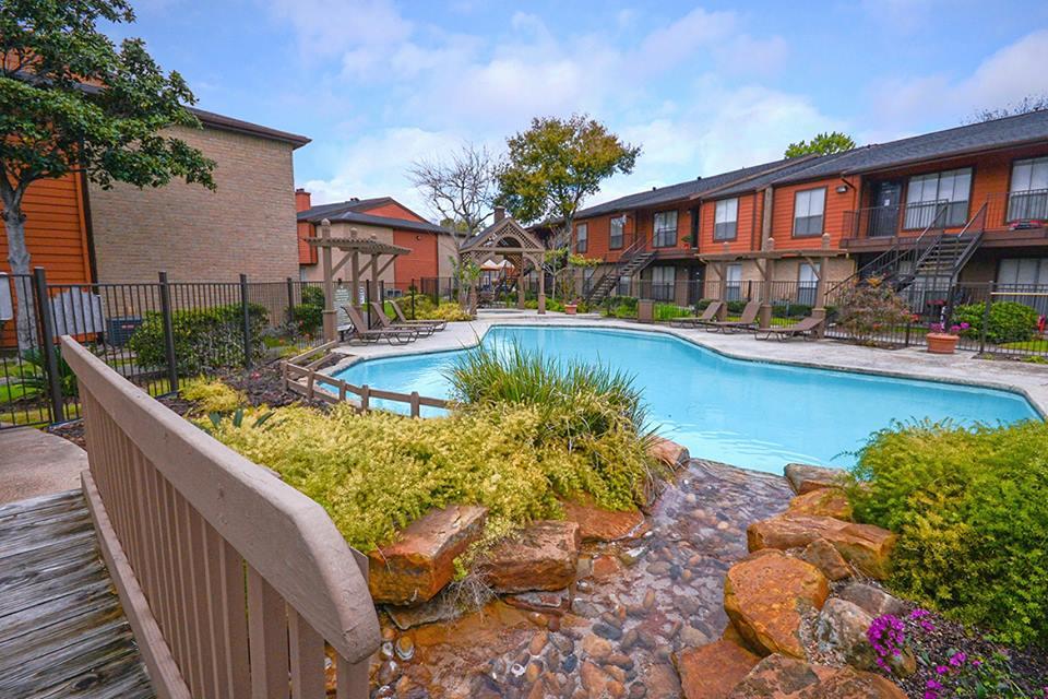 Pool at Listing #139043