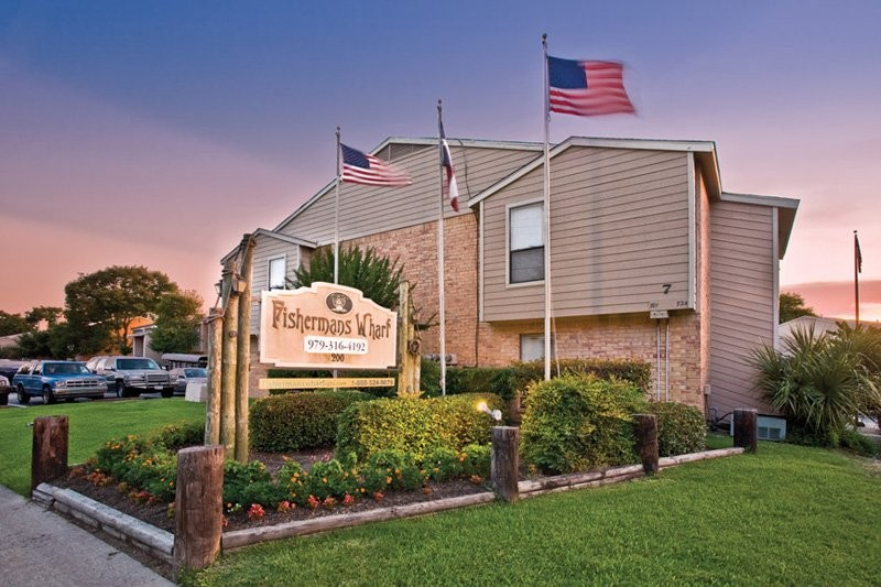 LakeVue Apartments Clute TX