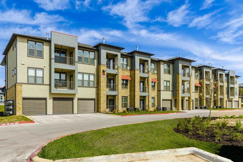 Retreat at Wolf Ranch Apartments
