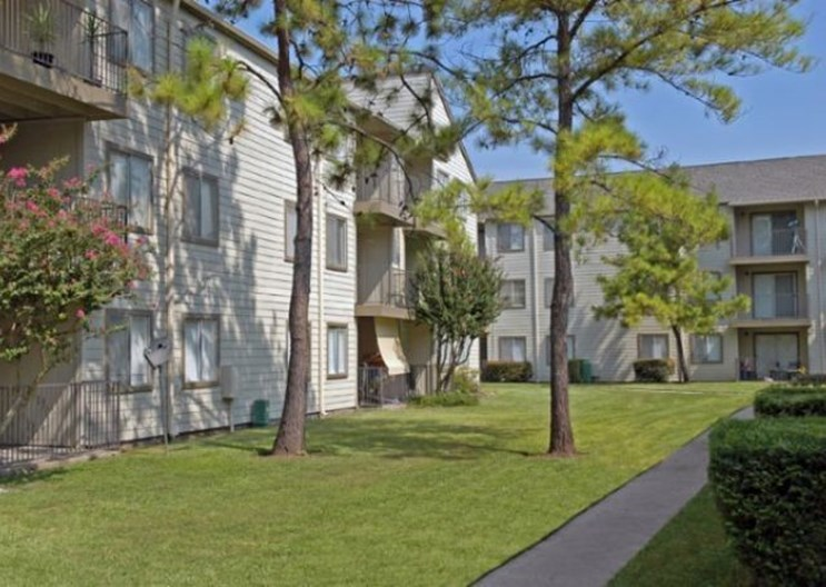 Woodtrail Apartments