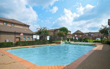 Pool at Listing #137890