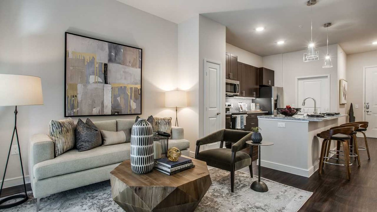Living/Kitchen at Listing #302055