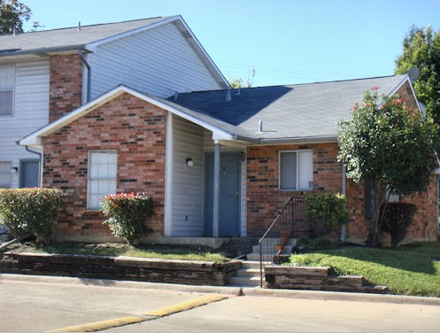 Exterior 2 at Listing #136338