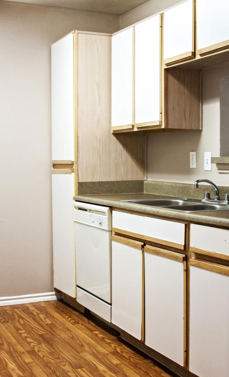 Kitchen at Listing #137828