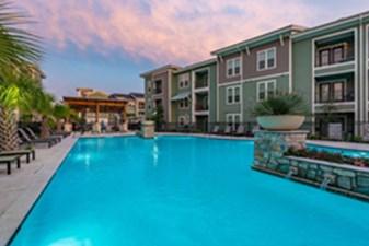 Pool at Listing #283351