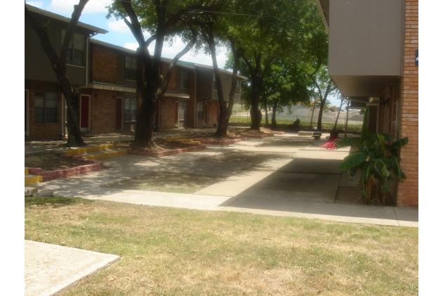 Lasses Townhomes San Antonio TX