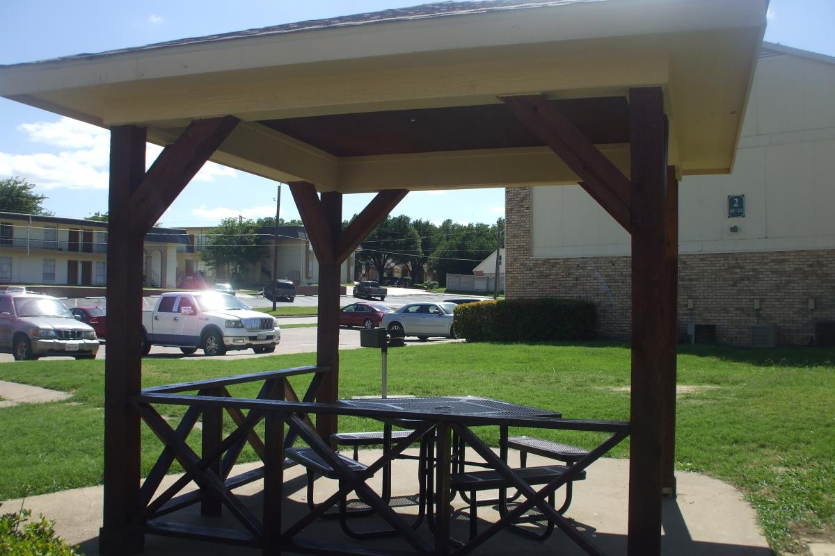 Picnic Area at Listing #136515