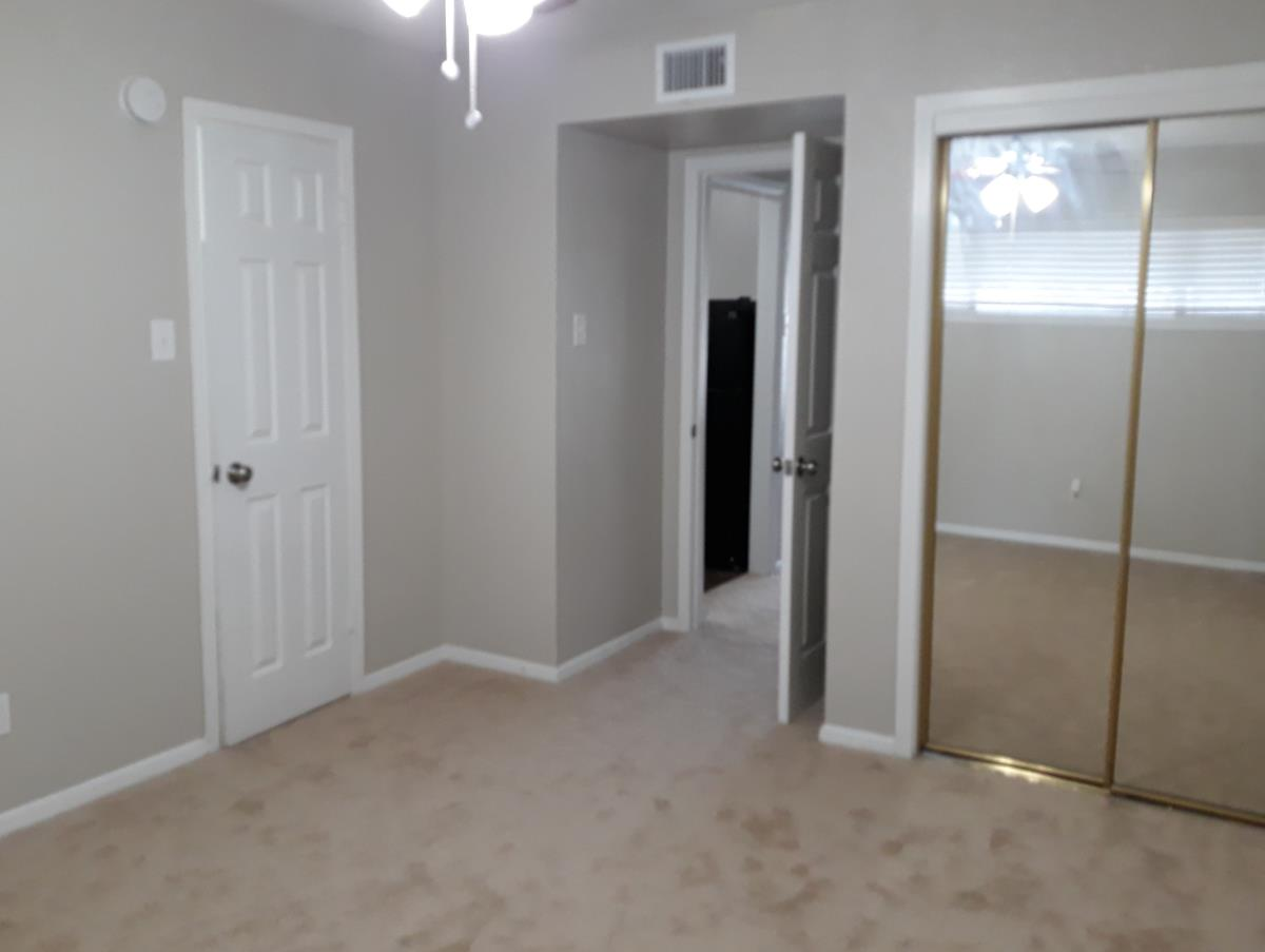 Bedroom at Listing #216276