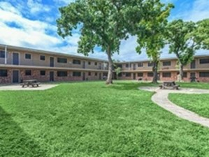 Courtyard at Listing #141069