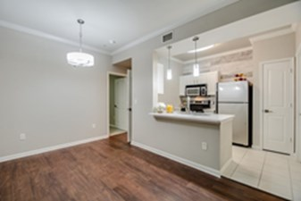 Dining/Kitchen at Listing #144638
