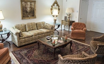 Living Area at Listing #281798