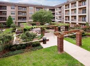 Courtyard at Listing #154834