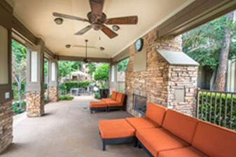 Lounge at Listing #144170