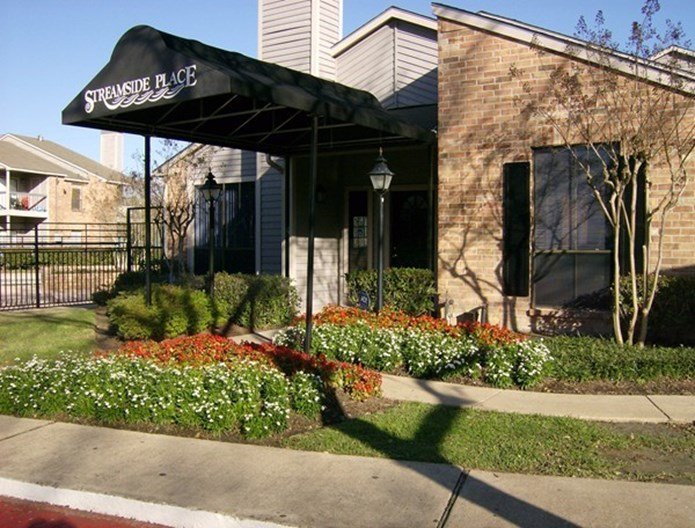 Streamside Place Apartments
