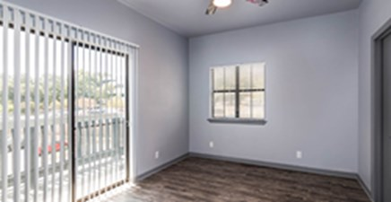 Living at Listing #140412
