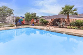 Pool at Listing #141297