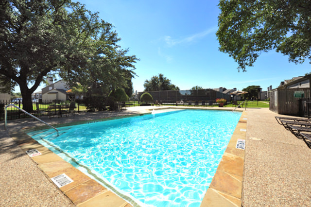 Pool at Listing #136078