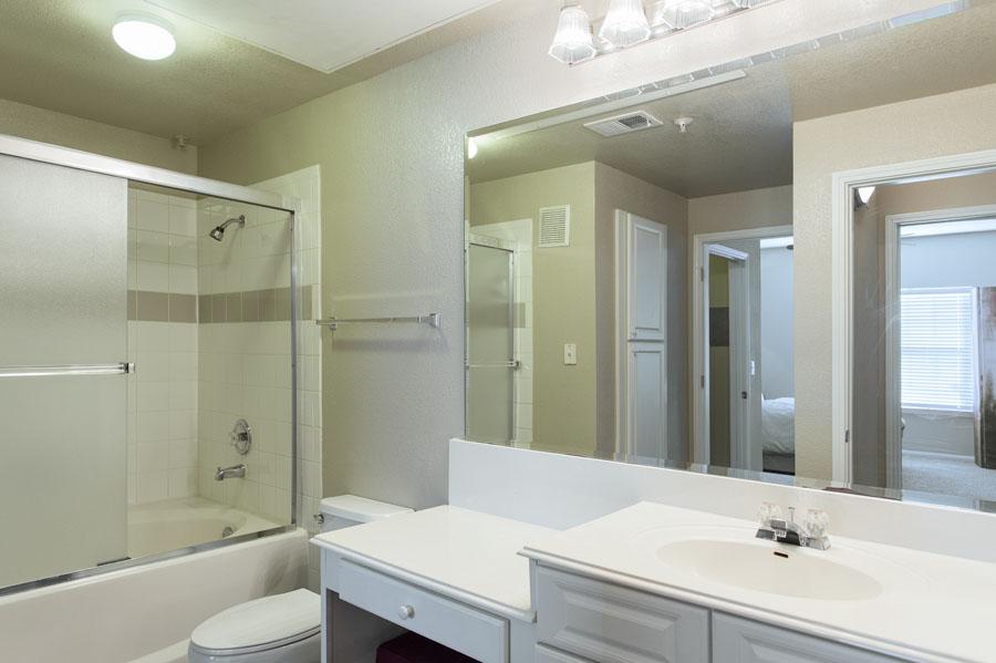 Bathroom at Listing #140708