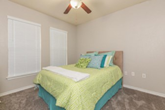 Bedroom at Listing #144870