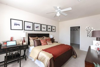 Bedroom at Listing #147463