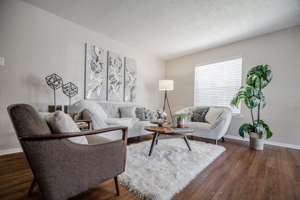 Living at Listing #136341
