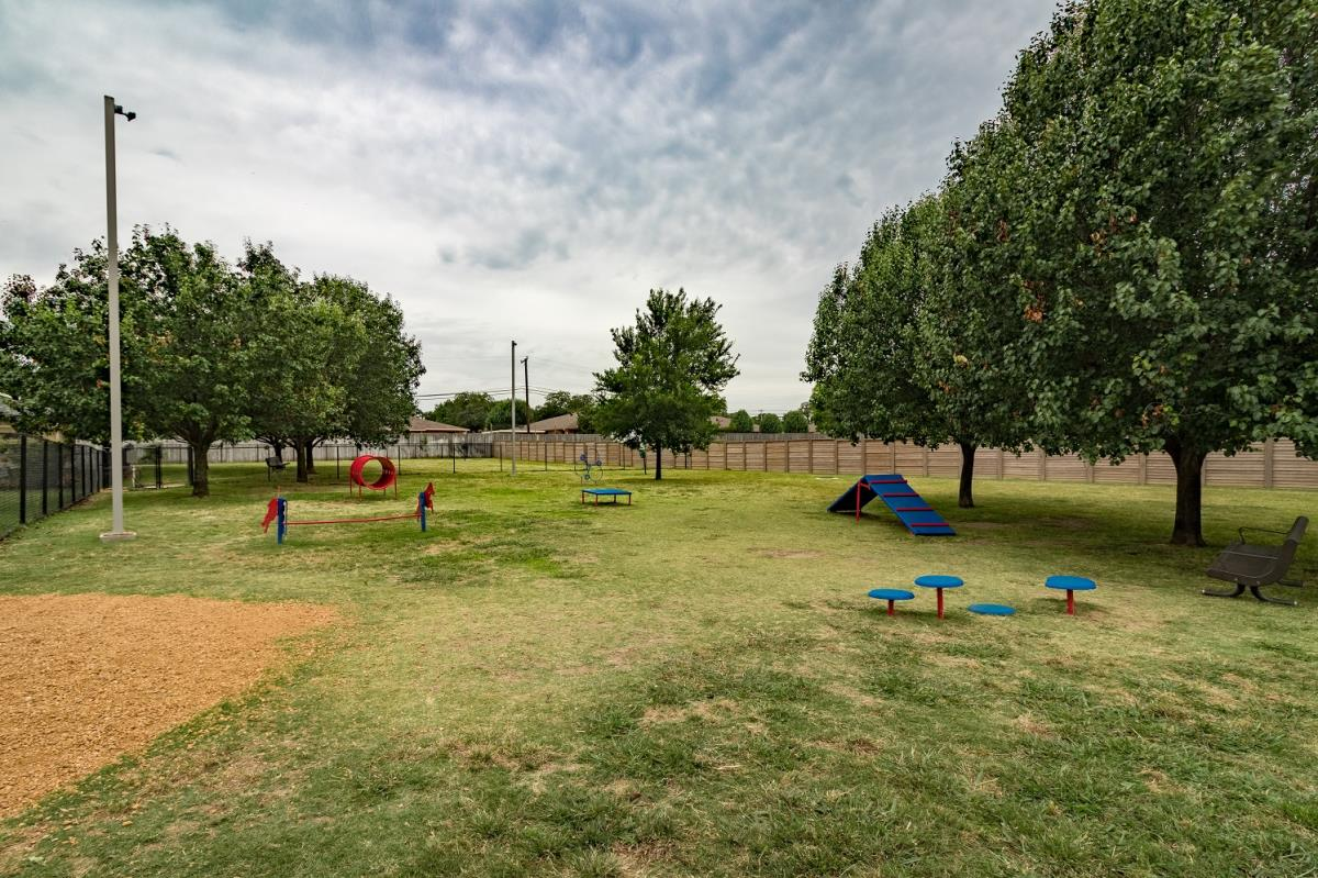 Dog Park at Listing #143388