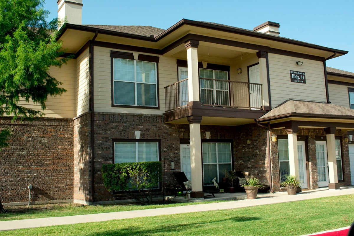 Exterior at Listing #147706