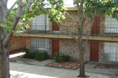 Exterior at Listing #139754