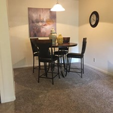 Dining at Listing #137027