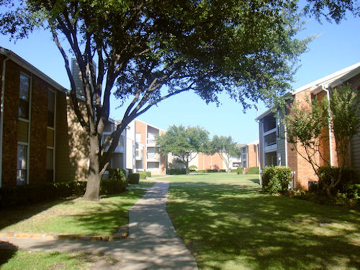 Clayton Pointe Apartments
