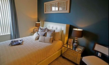 Bedroom at Listing #146196