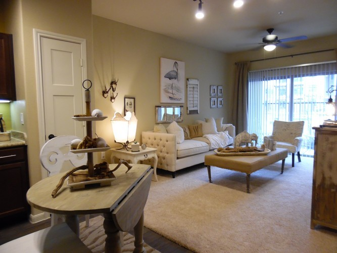 Living/Dining at Listing #282335