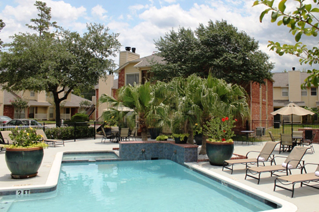 Pool at Listing #138557