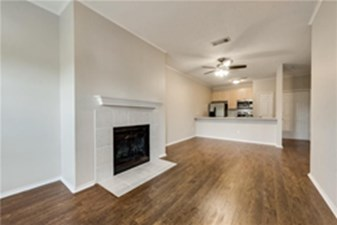 Living Area at Listing #137261