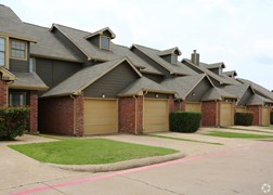 Wexford Townhomes Apartments Duncanville TX