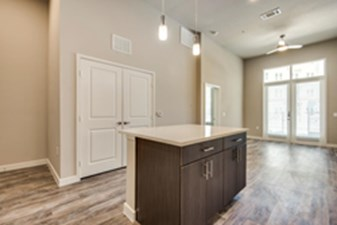 Living/Kitchen at Listing #282106