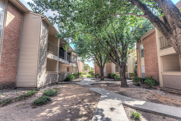 Exterior at Listing #138769