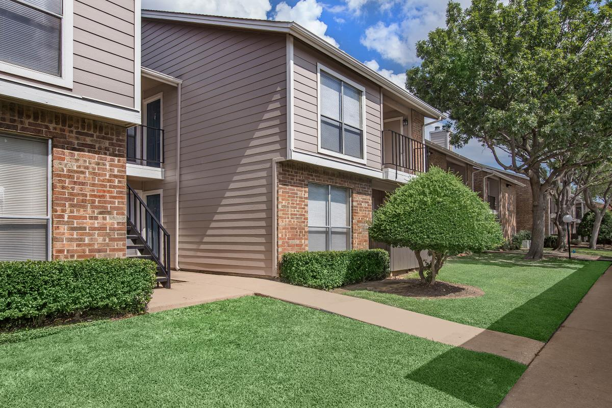 Westmount at Forest Oaks Apartments Arlington TX