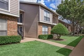 Westmount at Forest Oaks Apartments Arlington TX
