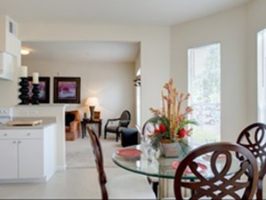 Dining at Listing #144413
