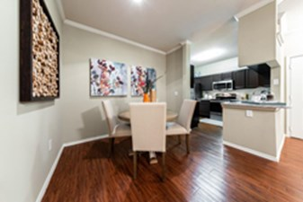 Dining/Kitchen at Listing #140144